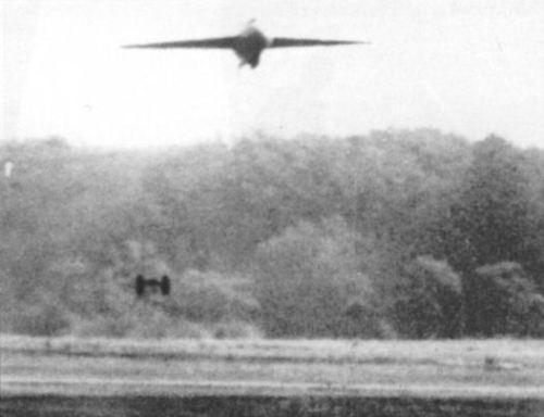 Ме-163 взлетал с использованием сбрасываемой двухколёсной тележки