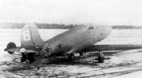 БИ-9 (с номером 6) на колёсном шасси